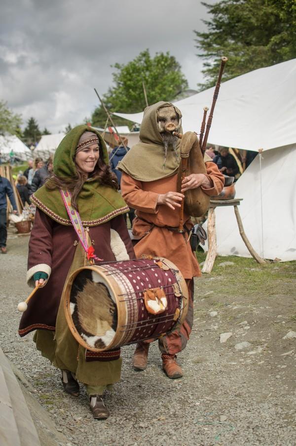 agenda Donderelf verteltheater poppentheater vikingverhalen voorstelling verhalenverteller