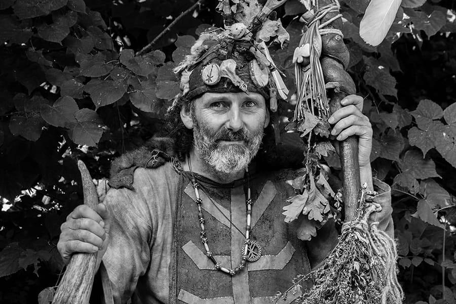 Donderelf verteltheater poppentheater vikingverhalen verhalenverteller